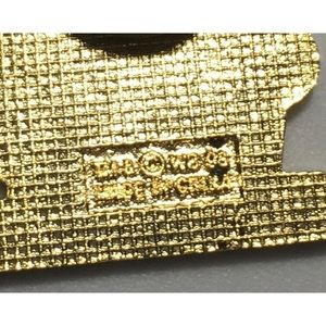Vintage Jewelry - 🛑SOLD🛑 Vintage 1990's Taz Pin